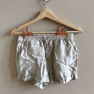 FOREVER 21 khaki loose fitting cargo shorts